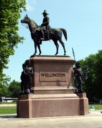 Duke of Wellingtons monument, Hyde Park.